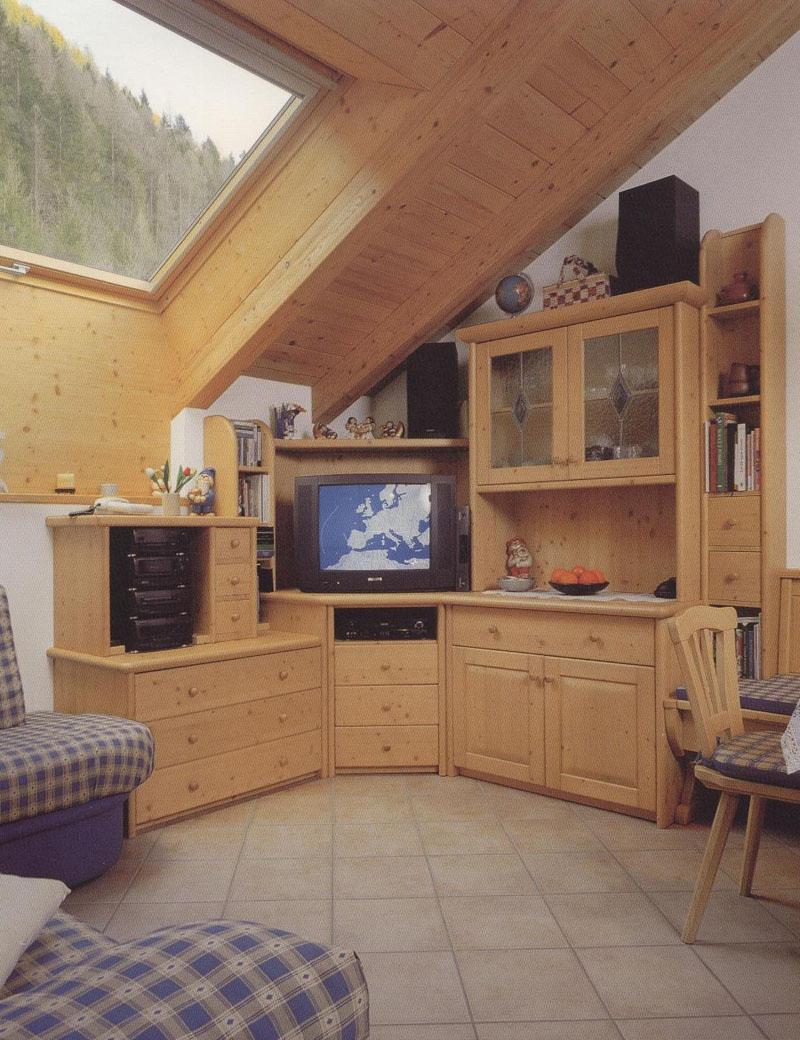 Arredamento soggiorni offerte idee per il design della casa for Arredamento offerte