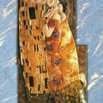 Il bacio - Rilievo scolpito in legno di tiglio, colorazione con foglie d'oro a 22 carati. Ispirato al dipinto originale di Gustav Klimt (1907).