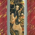 La signora dei serpenti - Rilievo scolpito in legno di tiglio, colorazione con foglie d'oro a 22 carati. Ispirato al dipinto originale di Gustav Klimt (1902).