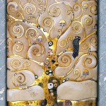 L'albero della vita - Rilievo scolpito in legno di tiglio, colorazione con foglie d'oro a 22 carati. Ispirato al dipinto originale di Gustav Klimt (1907).
