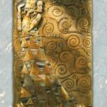 L'attesa - Rilievo scolpito in legno di tiglio, colorazione con foglie d'oro a 22 carati. Ispirato al dipinto originale di Gustav Klimt (1907).