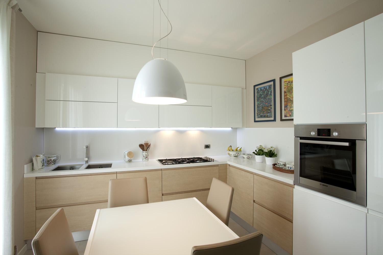 Cucine moderne in legno realizzate su misura luckyfloor - Cucine immagini moderne ...